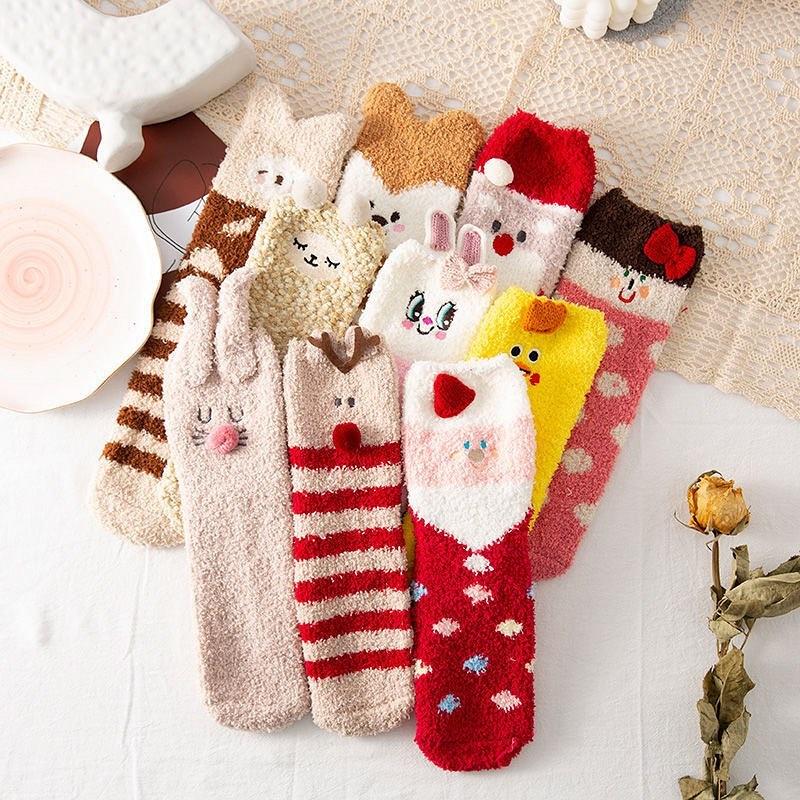 Tất Giáng sinh giá hạt dẻ mà cực yêu, mua để diện hay đem tặng cũng hết ý - Ảnh 3.
