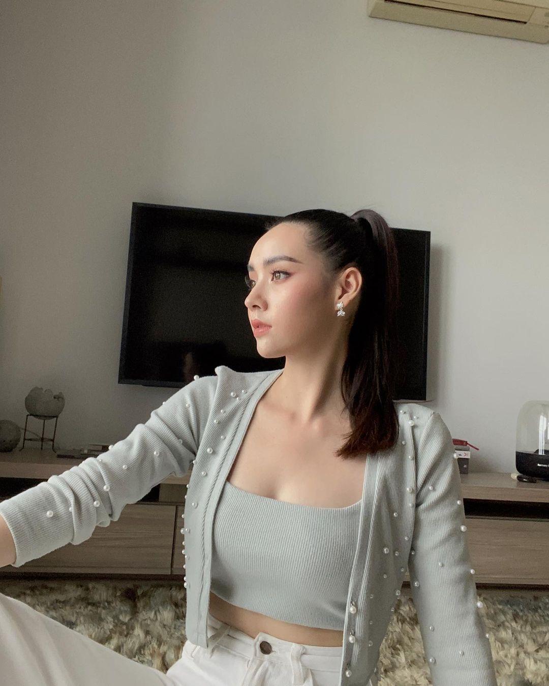 Loạt váy áo Zara, H&M sao châu Á diện dạo này: Toàn kiểu hot hit cho mùa lạnh - Ảnh 5.