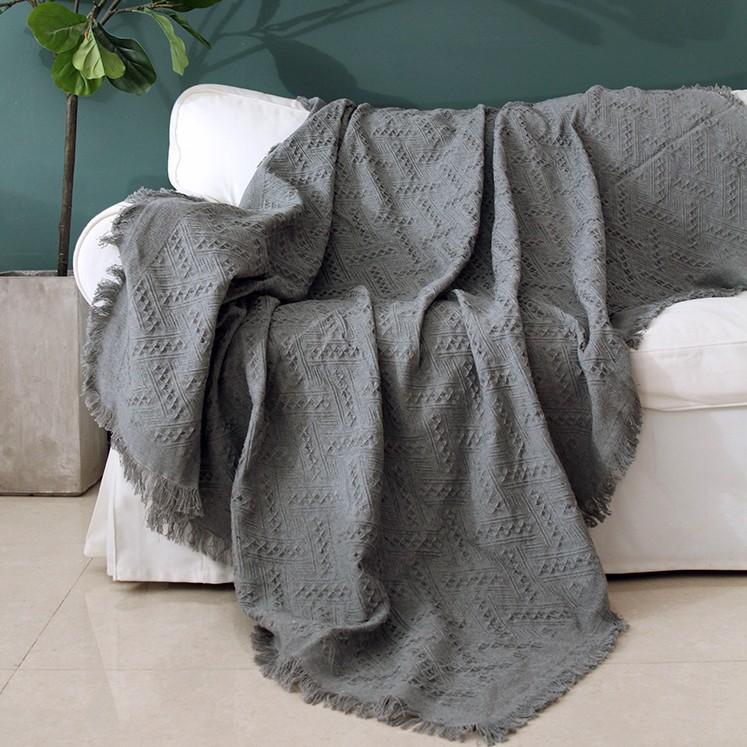 Sắm chăn sofa vừa xinh vừa ấm giá chỉ từ 98k - Ảnh 2.