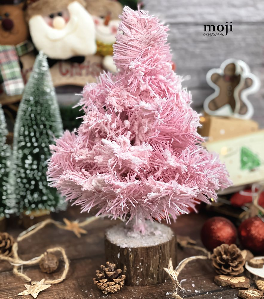 Sắm cây thông giả cho Noel: Hơn trăm nghìn hay tiền triệu đều có, loại nào cũng siêu đẹp - Ảnh 2.