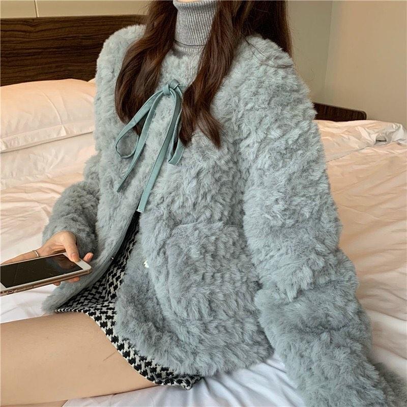 Bỏ ra từ 500k, chị em đã sắm được áo khoác lông siêu ấm, mặc lên max chảnh - Ảnh 3.