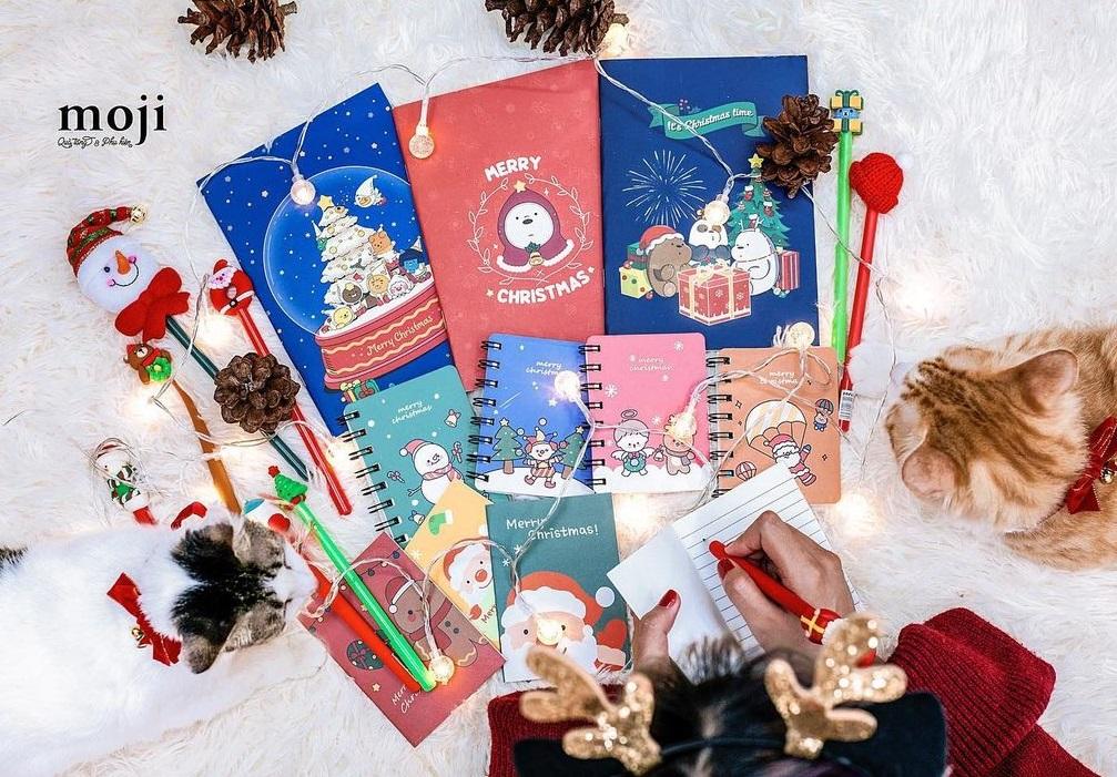 Sắm quà Giáng sinh giờ chót: Ngân sách 50k, 100k hay 200k đều có quà ngon nghẻ - Ảnh 1.