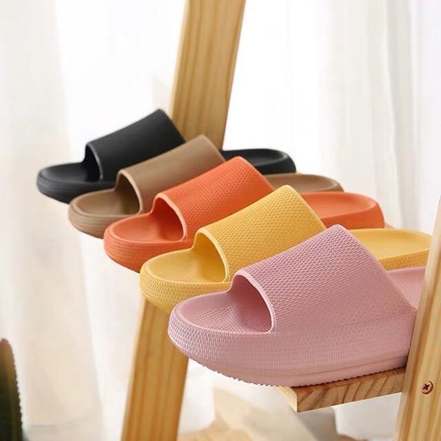 Quỳnh Anh Shyn khoe đồ dùng trong nhà toàn màu hồng: Món rẻ nhất chỉ 13K, thích nhất là đôi dép ú nu hot hit - Ảnh 4.