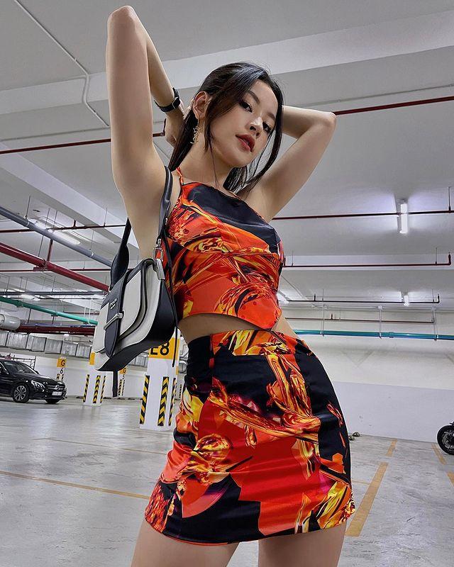 Sao Việt mê đồ local brand giá rẻ: Thiều Bảo Trâm diện nguyên set váy hot trend 520k, Linh Ka sắm áo Tết 320k - ảnh 17