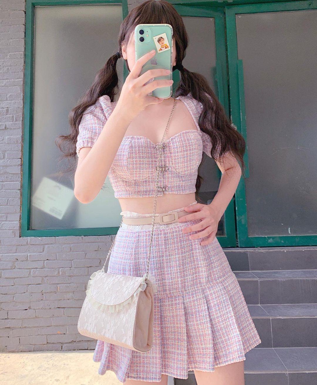 Set váy áo vải tweed đang hot rần rần tại các shop, sắm một bộ chơi Tết đi chị em - Ảnh 1.