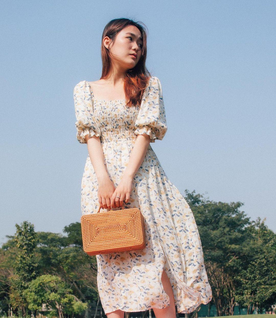 Đầu xuân Hòa Minzy mua váy hoa vintage, chị em muốn xinh như nàng thơ nên bắt chước - Ảnh 4.