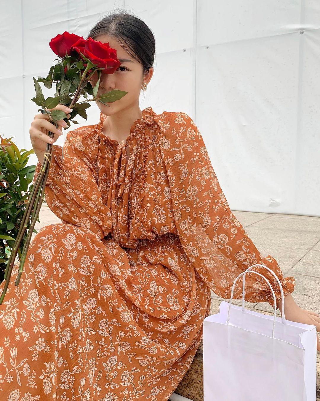 Đầu xuân Hòa Minzy mua váy hoa vintage, chị em muốn xinh như nàng thơ nên bắt chước - Ảnh 6.