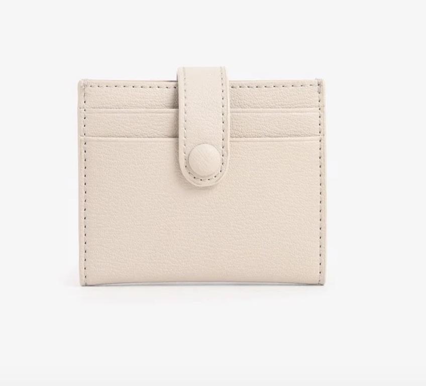 8 chiếc ví tiền hoàn hảo cho người mệnh Kim, sắm về là lộc đến ầm ầm - Ảnh 1.