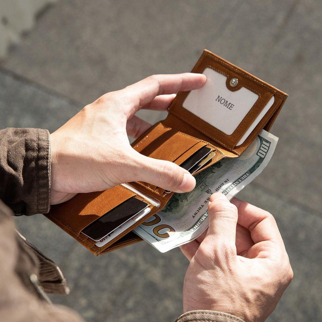 8 chiếc ví tiền hoàn hảo cho người mệnh Kim, sắm về là lộc đến ầm ầm - Ảnh 5.