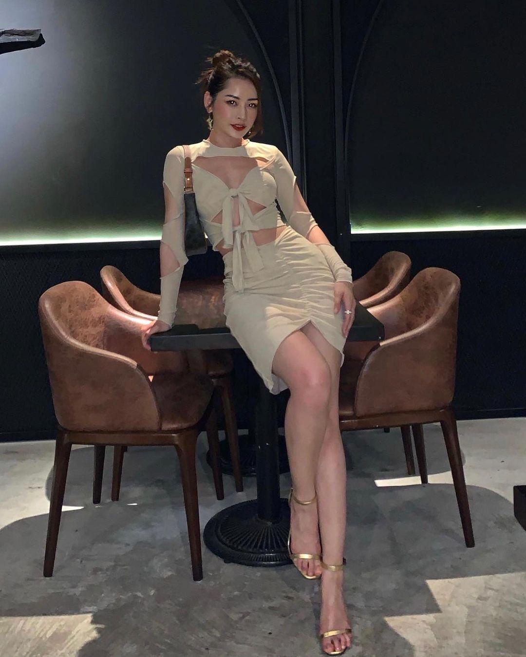 Váy áo local brand sao Việt vừa diện: Váy tiểu thư của Nhã Phương và váy chanh sả của Xoài Non đều chỉ hơn 2 triệu - Ảnh 4.