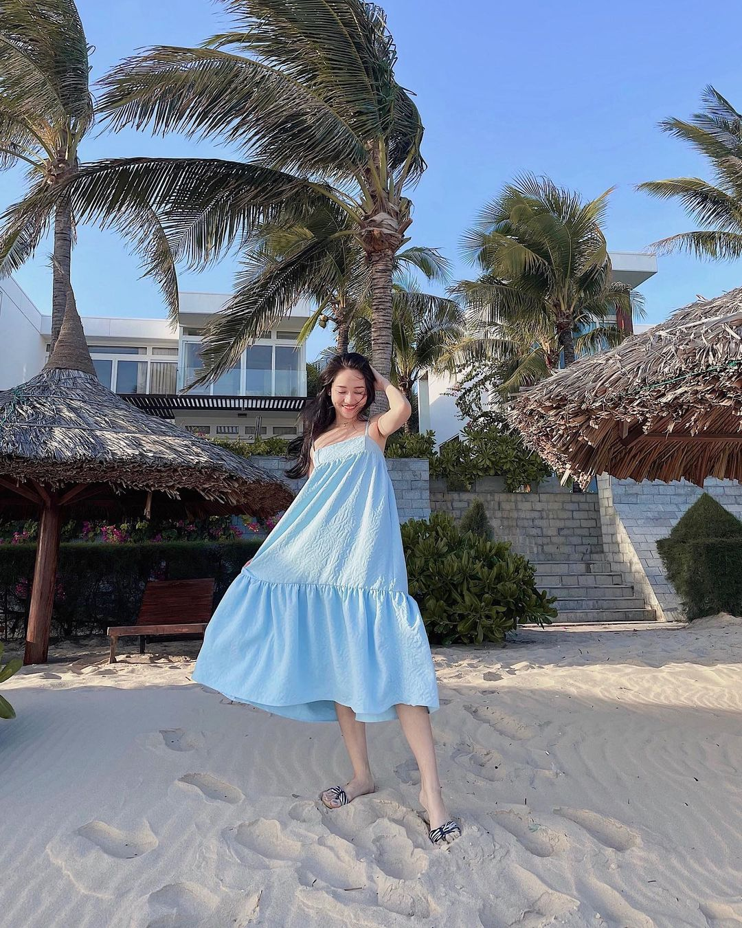 Váy áo local brand sao Việt vừa diện: Váy tiểu thư của Nhã Phương và váy chanh sả của Xoài Non đều chỉ hơn 2 triệu - Ảnh 1.