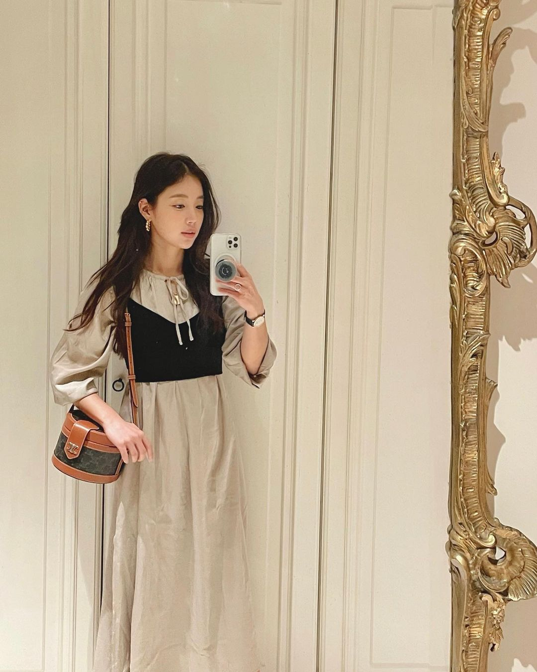 Loạt đồ Zara, H&M sao Hàn vừa diện: Quá nửa có giá dưới 500k, khối chị em sẽ muốn sắm theo ngay - Ảnh 1.