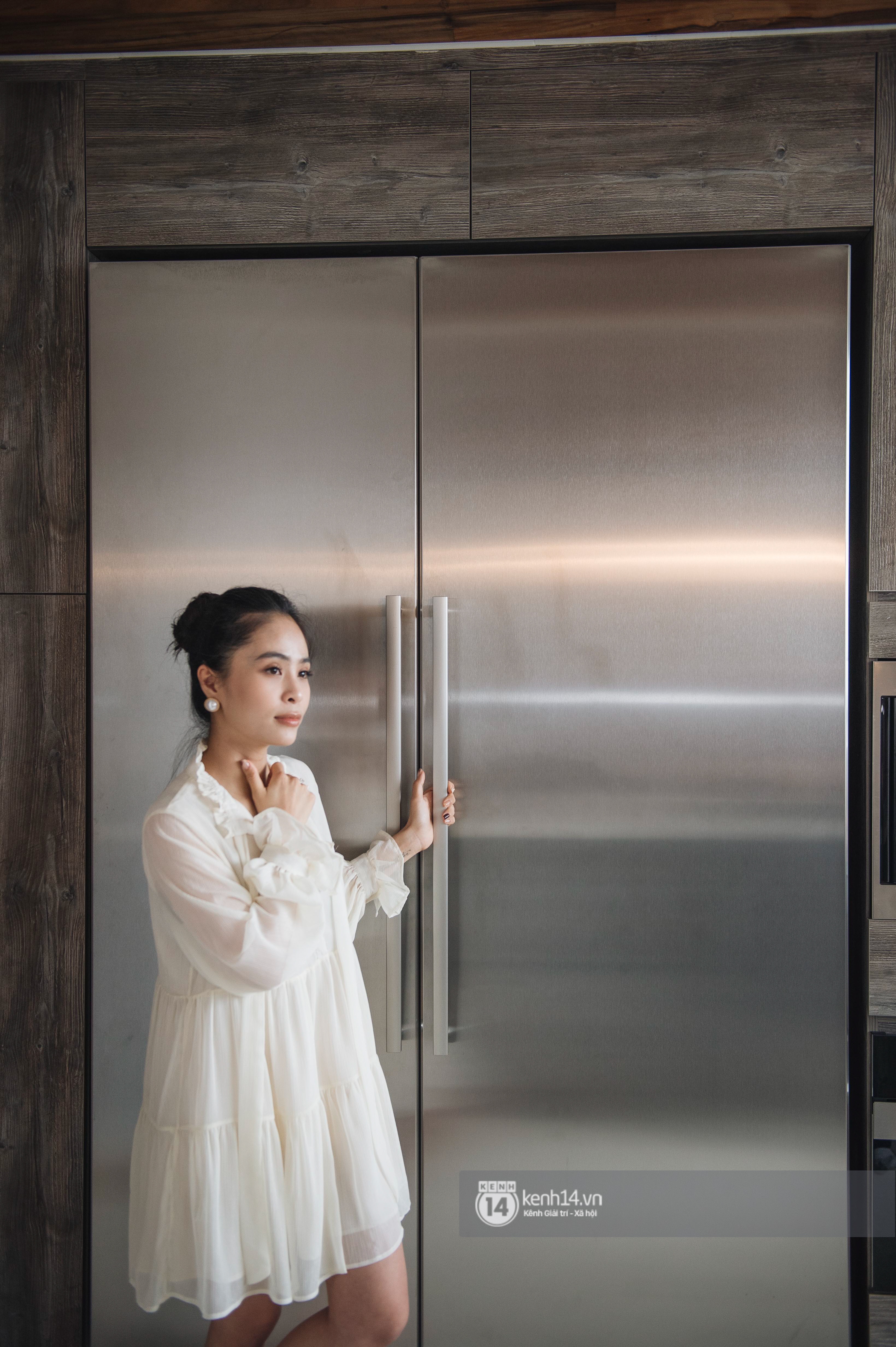 Đồ gia dụng nhà ca nương Kiều Anh quá đỉnh: Máy hút mùi ẩn hiện, tủ lạnh cũng phải ghép riêng 2 chiếc hơn 400 triệu - Ảnh 9.