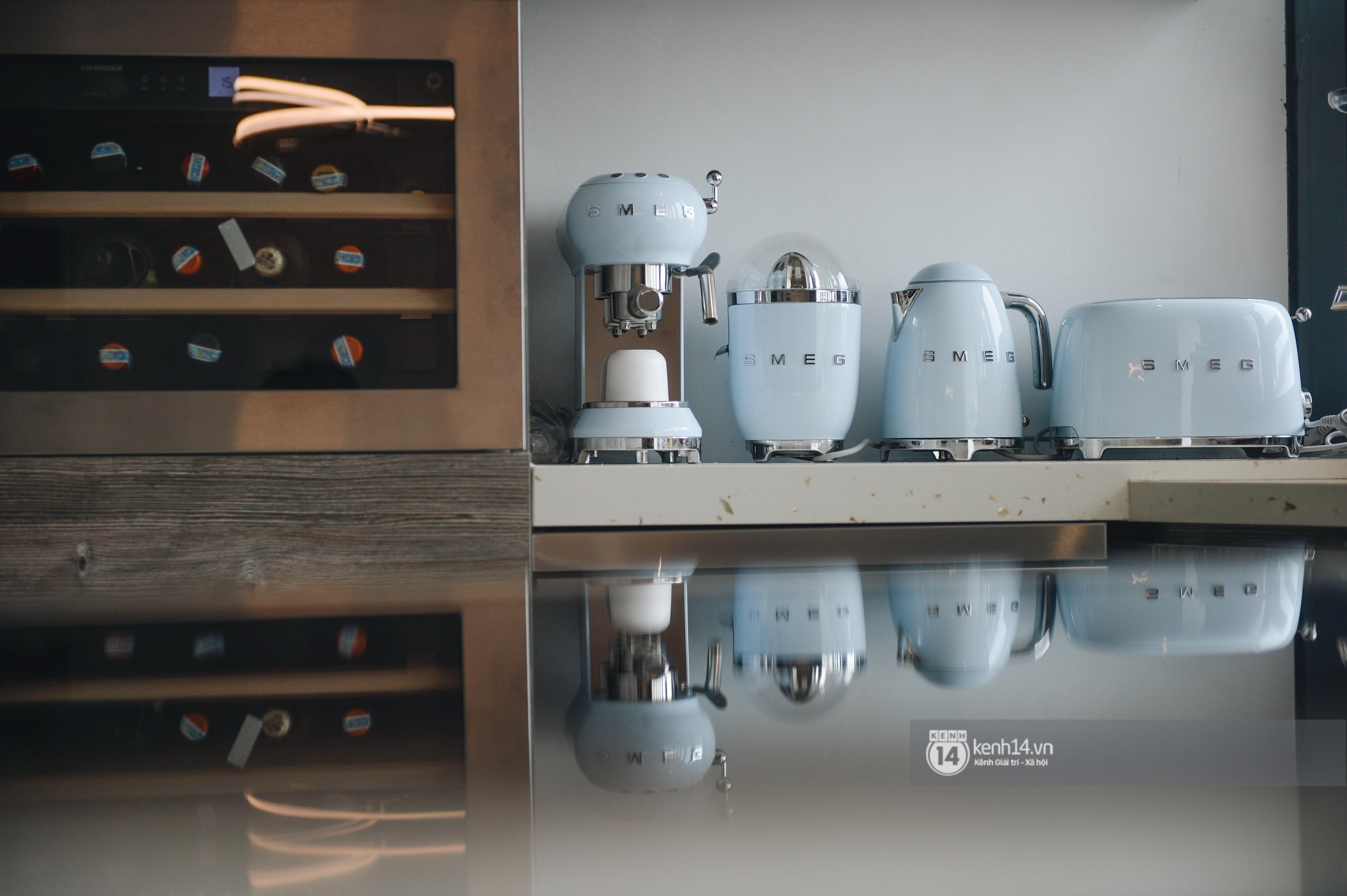 Đồ gia dụng nhà ca nương Kiều Anh quá đỉnh: Máy hút mùi ẩn hiện, tủ lạnh cũng phải ghép riêng 2 chiếc hơn 400 triệu - Ảnh 6.