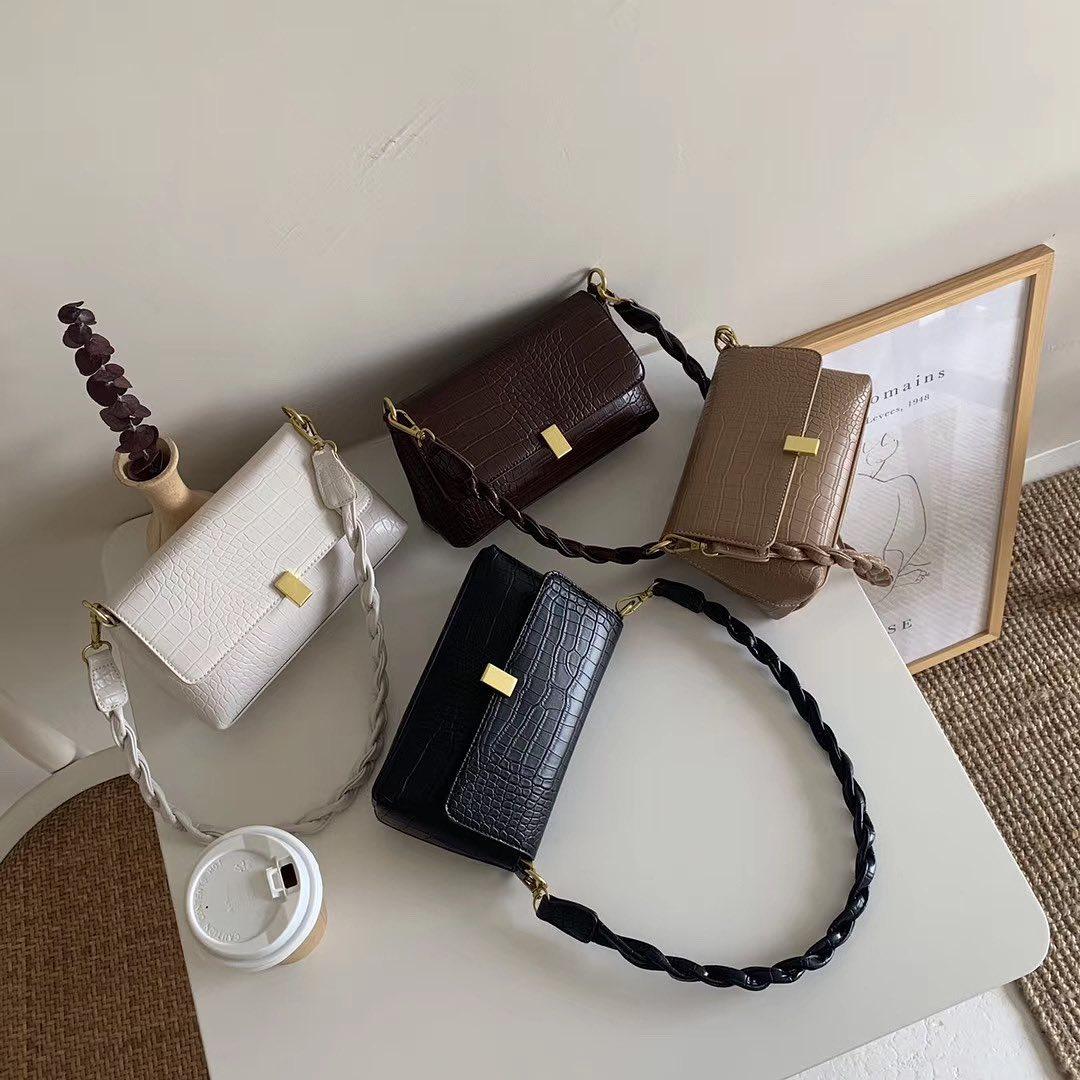 Tổng hợp túi xách rẻ đẹp nhất tại các shop online: Giá chỉ từ 200k mà toàn kiểu trendy sang chảnh - Ảnh 2.
