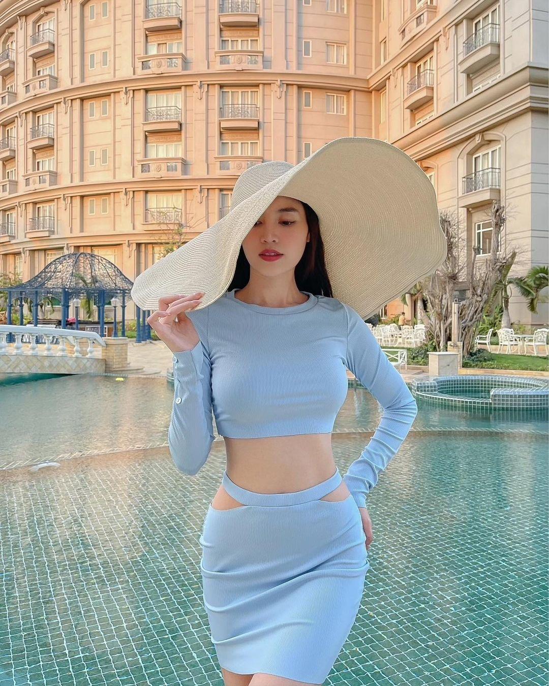 Đồ local brand sao Việt vừa diện: Toàn món rẻ đẹp chỉ từ 260k, bất ngờ nhất là váy sexy giá chưa đến 400k của Lan Ngọc - Ảnh 2.