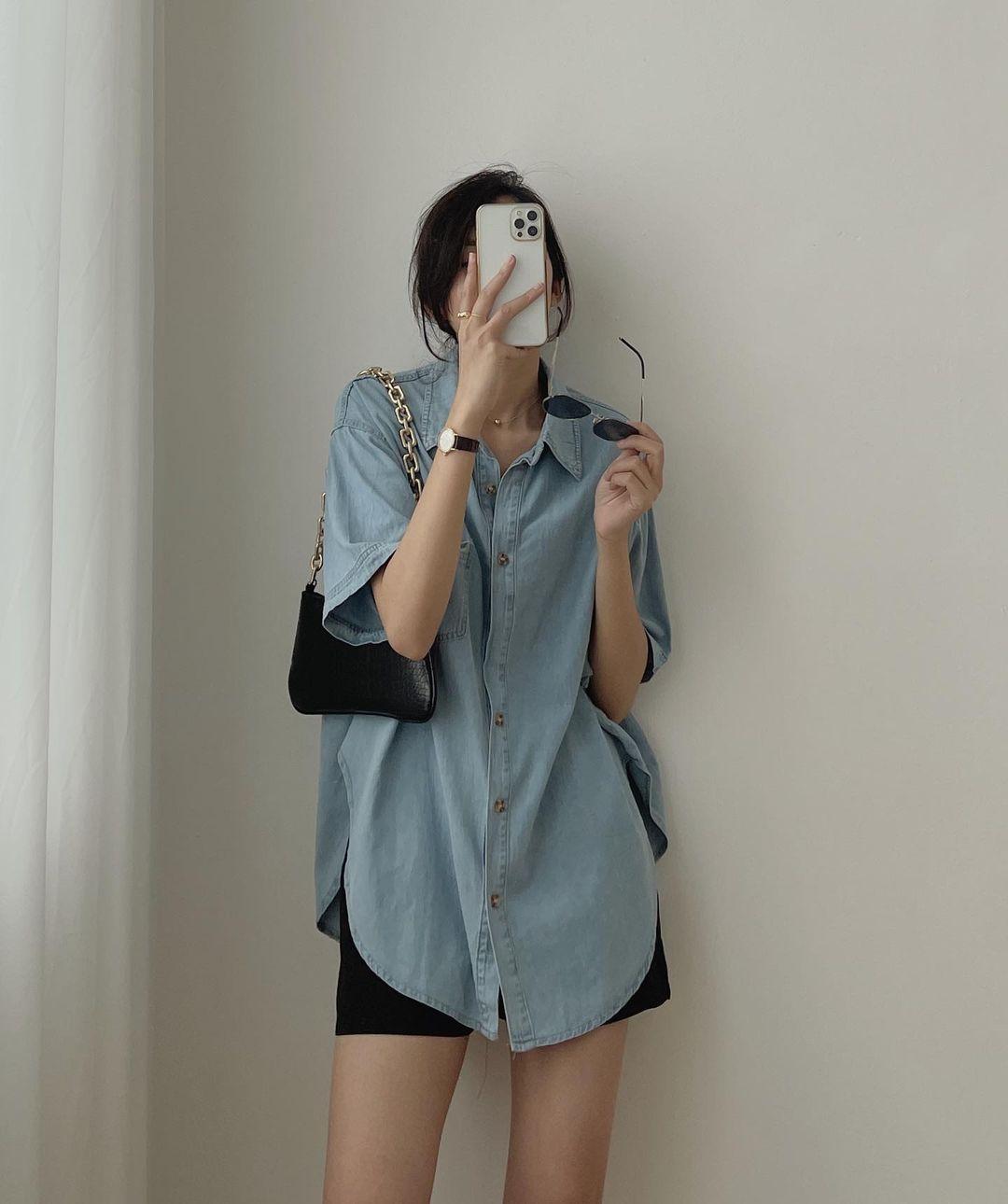 Tổng hợp áo sơ mi oversize đỉnh nhất các shop: Ai muốn style xịn chuẩn Hàn tậu ngay - Ảnh 6.