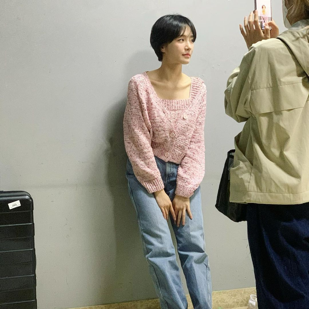 Đồ Zara sao châu Á vừa diện: Toàn crop top, áo phông từ 249k siêu xinh để diện Hè - Ảnh 5.