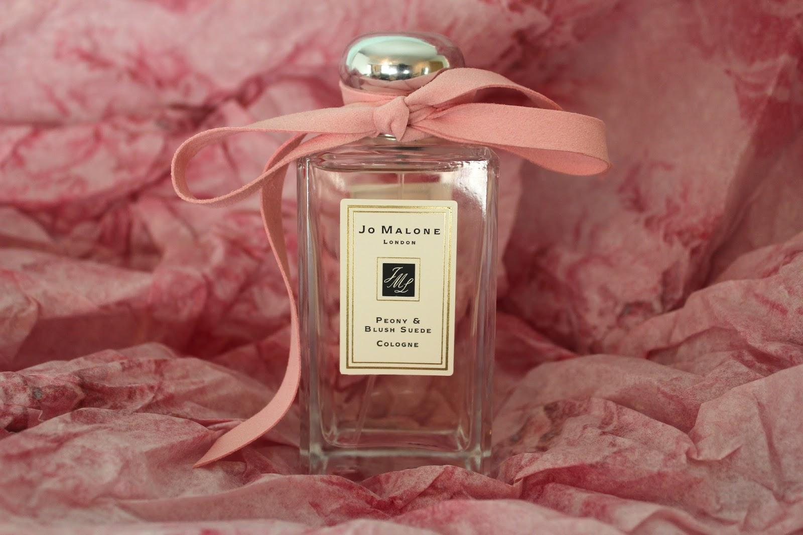 5 chai nước hoa hương hoa cỏ dịu nhẹ, dùng mùa Hè là đỉnh của chóp - ảnh 2