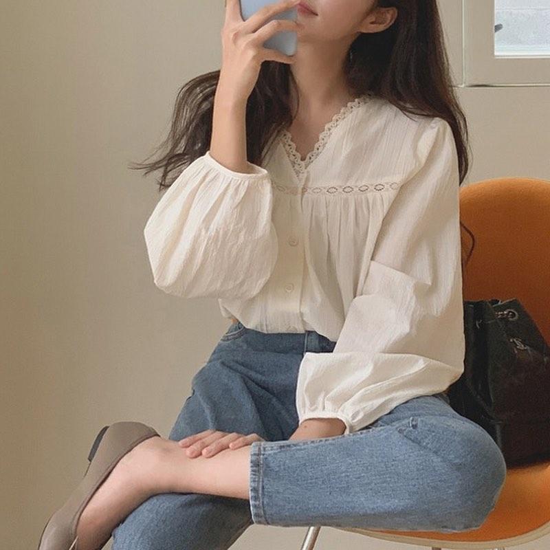Mách các nàng chỗ mua áo blouse xinh như thiên thần giá chỉ từ 240k - ảnh 1