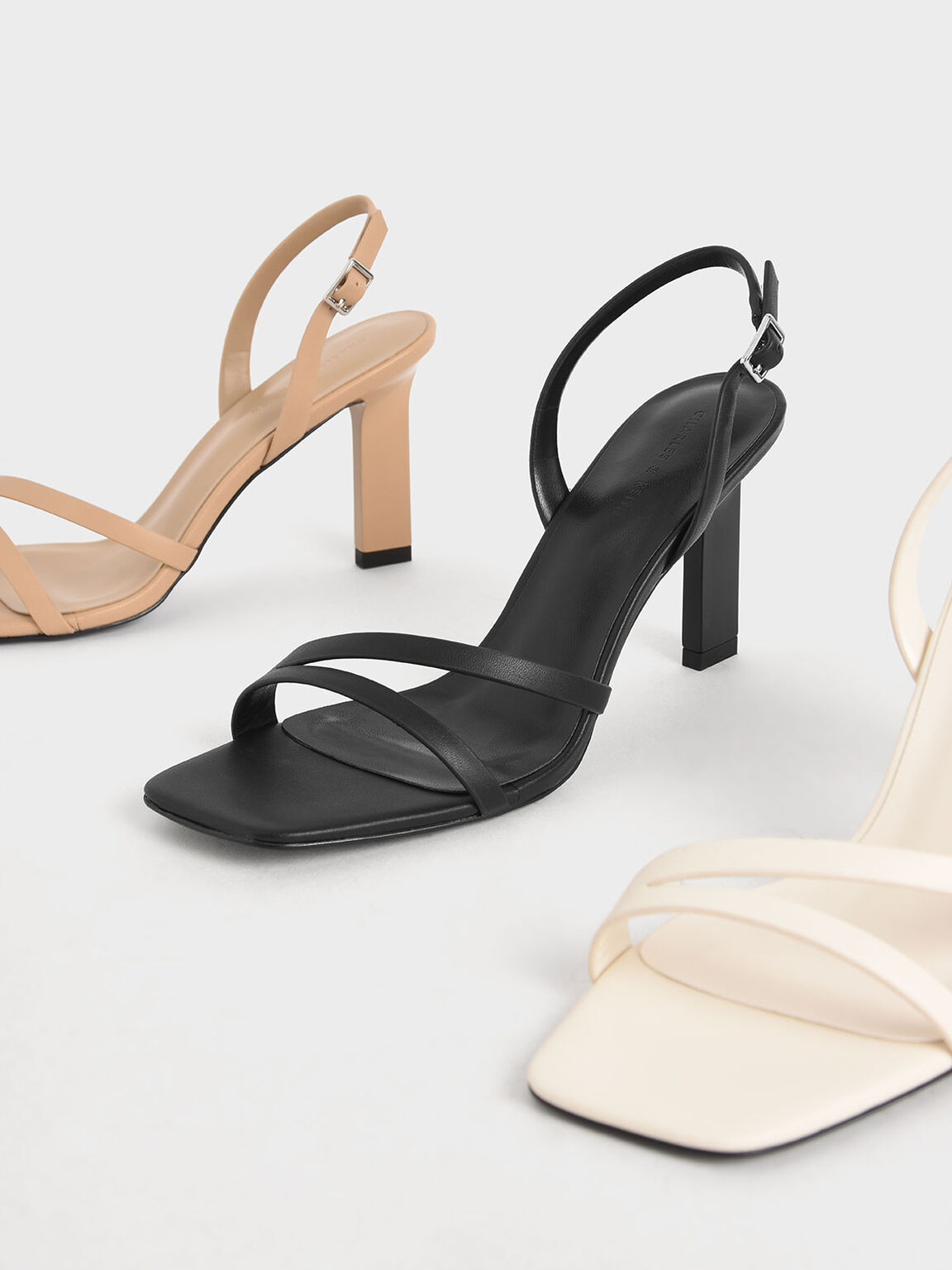 Mẫu sandals khiến Hà Trúc mê mẩn mua gần chục đôi đi dần: Chị em dễ dàng copy hoặc sắm mẫu na ná chỉ vài trăm nghìn - ảnh 6