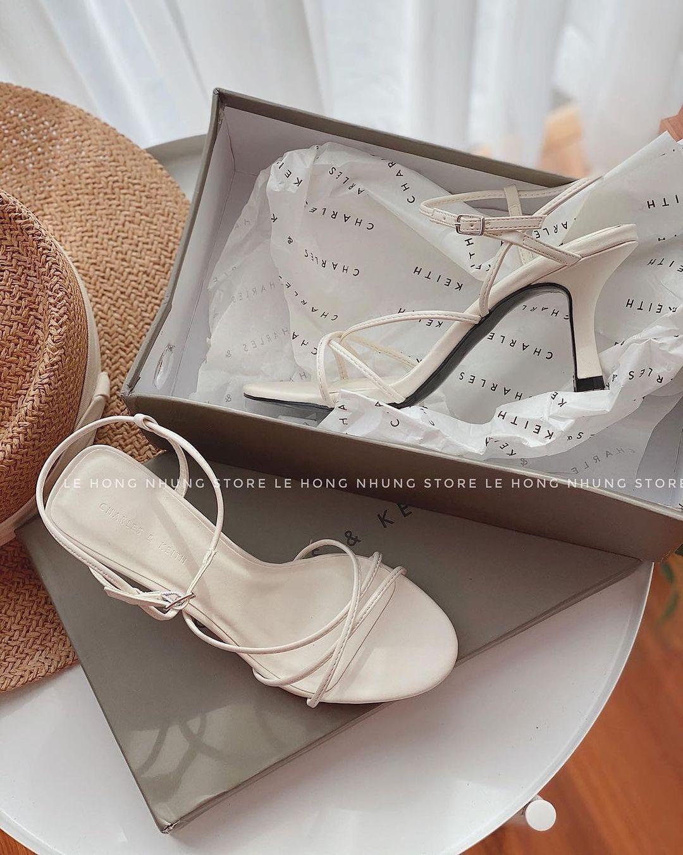Mẫu sandals khiến Hà Trúc mê mẩn mua gần chục đôi đi dần: Chị em dễ dàng copy hoặc sắm mẫu na ná chỉ vài trăm nghìn - ảnh 15