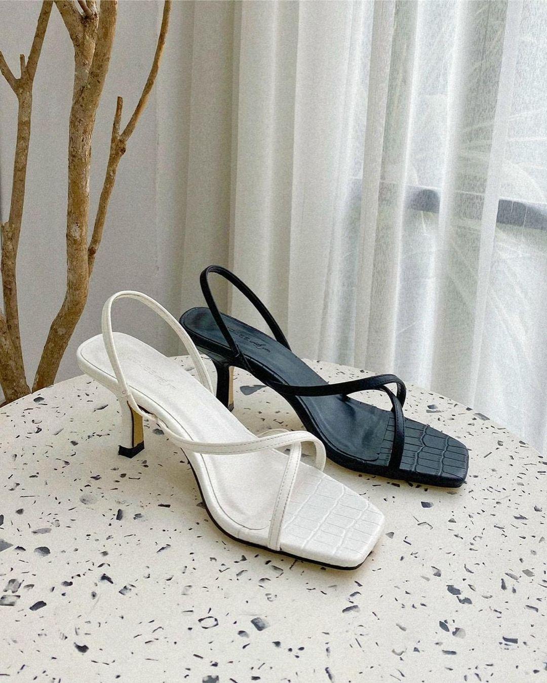 Mẫu sandals khiến Hà Trúc mê mẩn mua gần chục đôi đi dần: Chị em dễ dàng copy hoặc sắm mẫu na ná chỉ vài trăm nghìn - ảnh 12