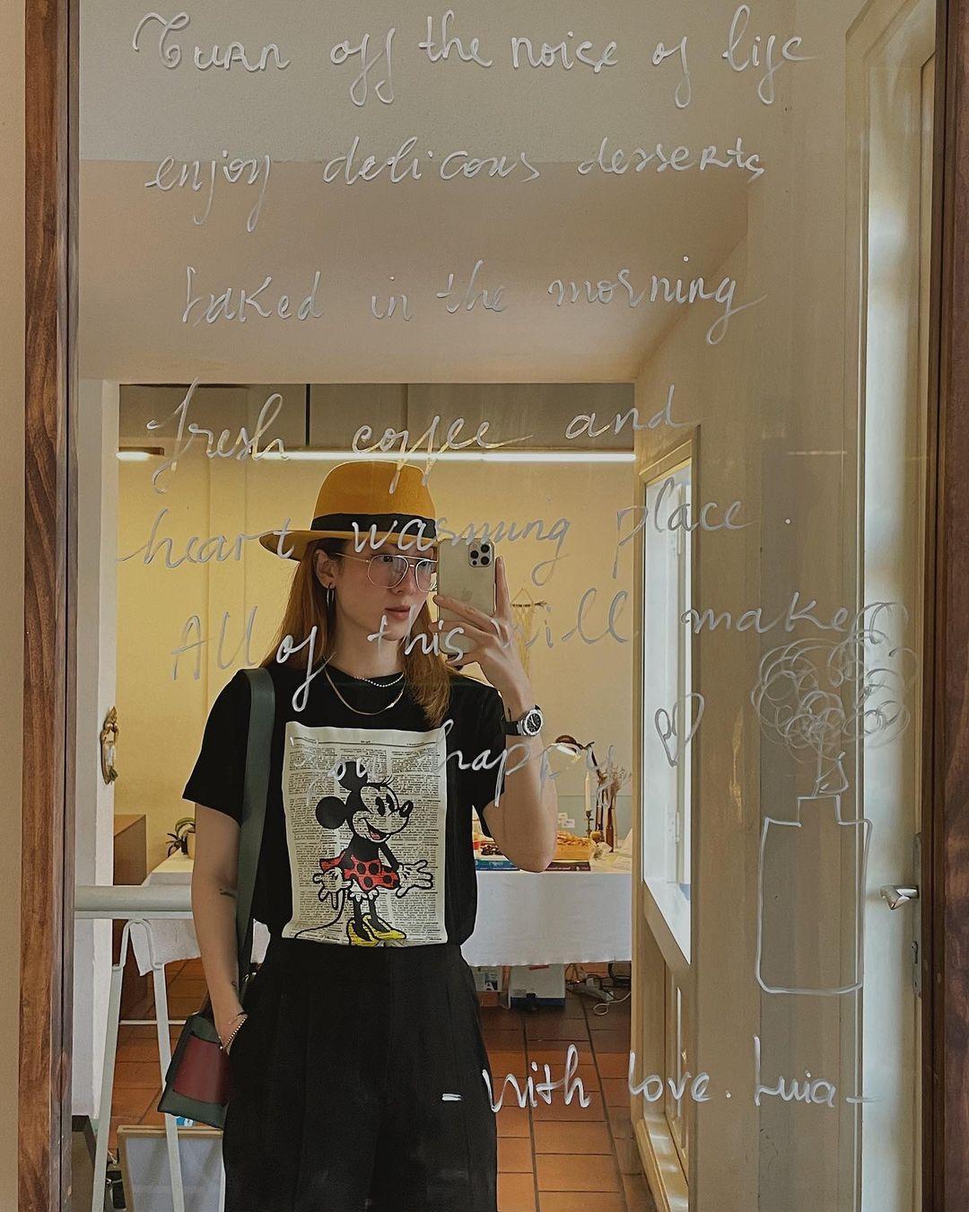 Đồ local brand sao Việt vừa diện: Bộ của Ngọc Trinh siêu rẻ, nhiều váy đẹp tôn dáng cực mê - Ảnh 4.