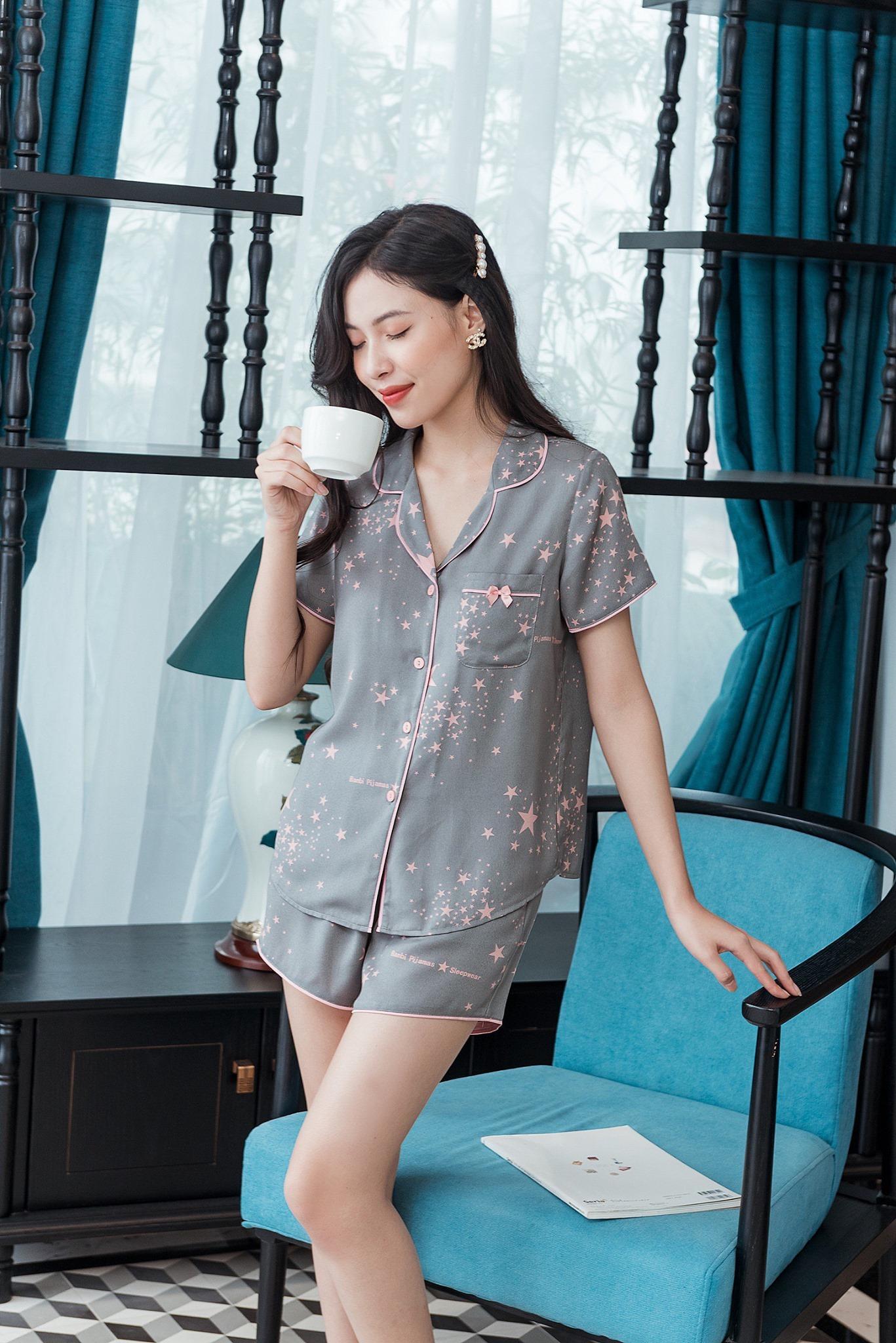 Jisoo diện bộ pyjama gần 3 triệu, chị em thích thì sắm mấy bộ tương tự giá chỉ vài trăm này - Ảnh 5.