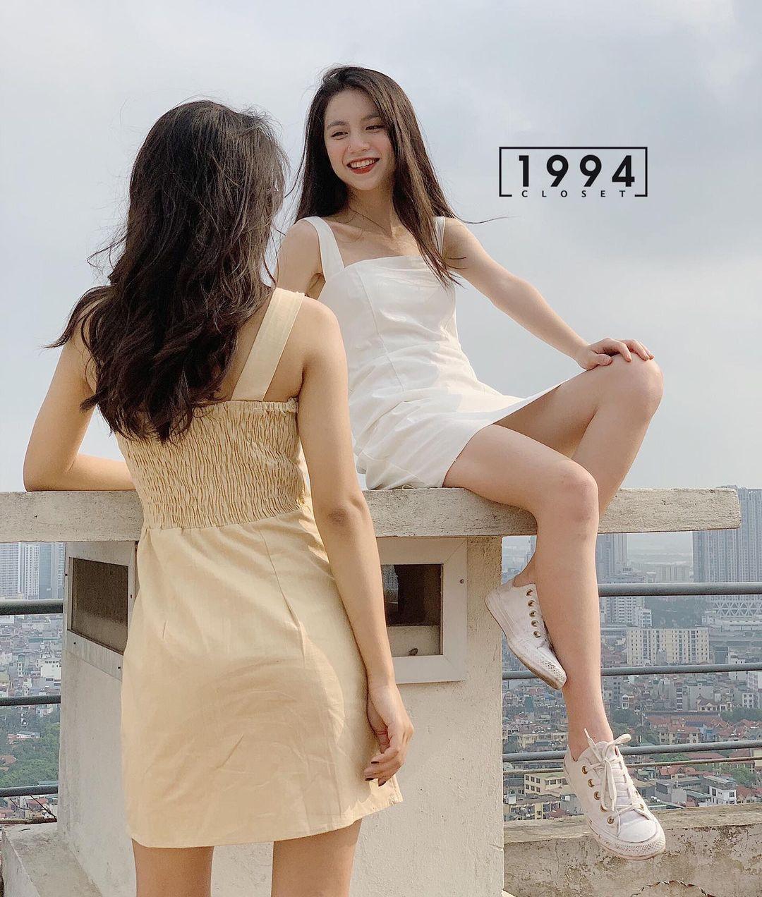 """Các shop đã về bao nhiêu váy hai dây xinh quá trời quá đất, giá chỉ từ 200k mà """"chuẩn đét"""" - Ảnh 1."""