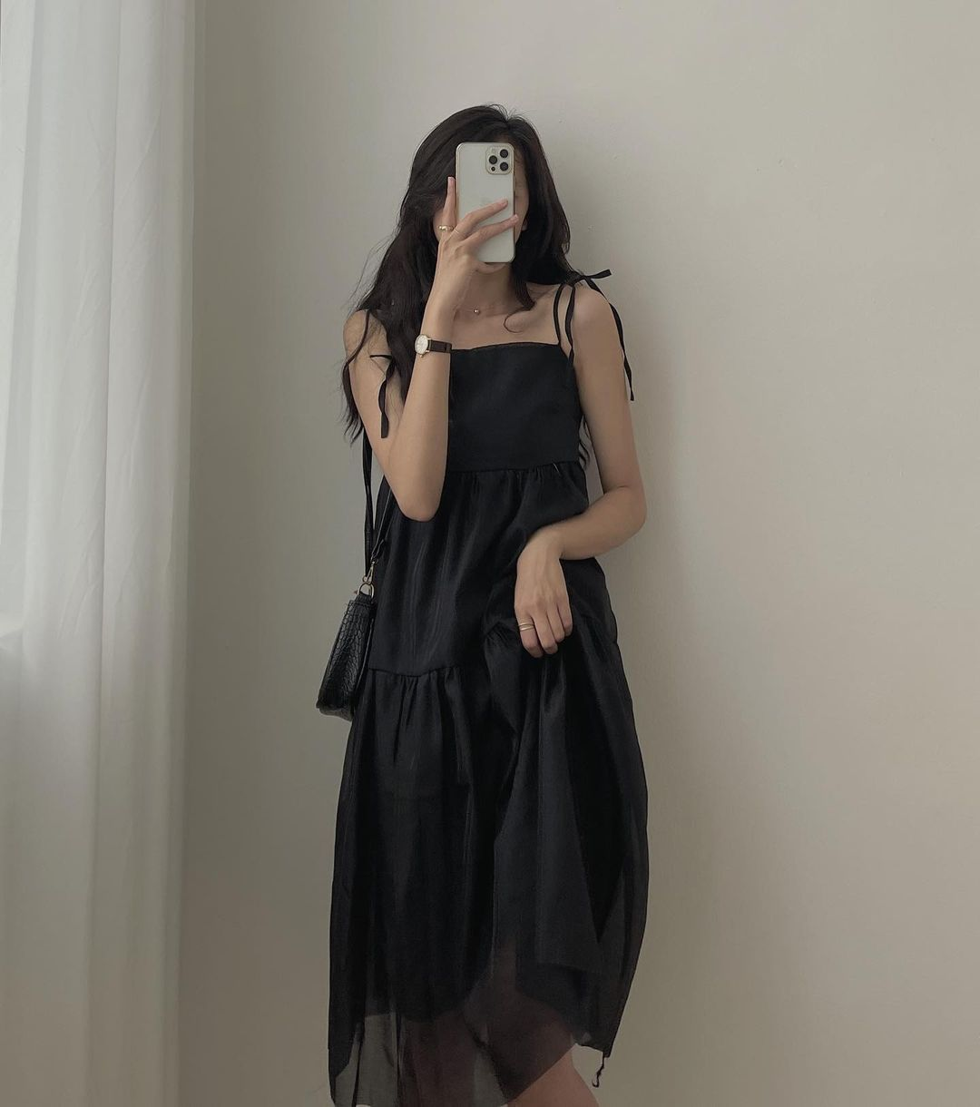 """Các shop đã về bao nhiêu váy hai dây xinh quá trời quá đất, giá chỉ từ 200k mà """"chuẩn đét"""" - Ảnh 2."""