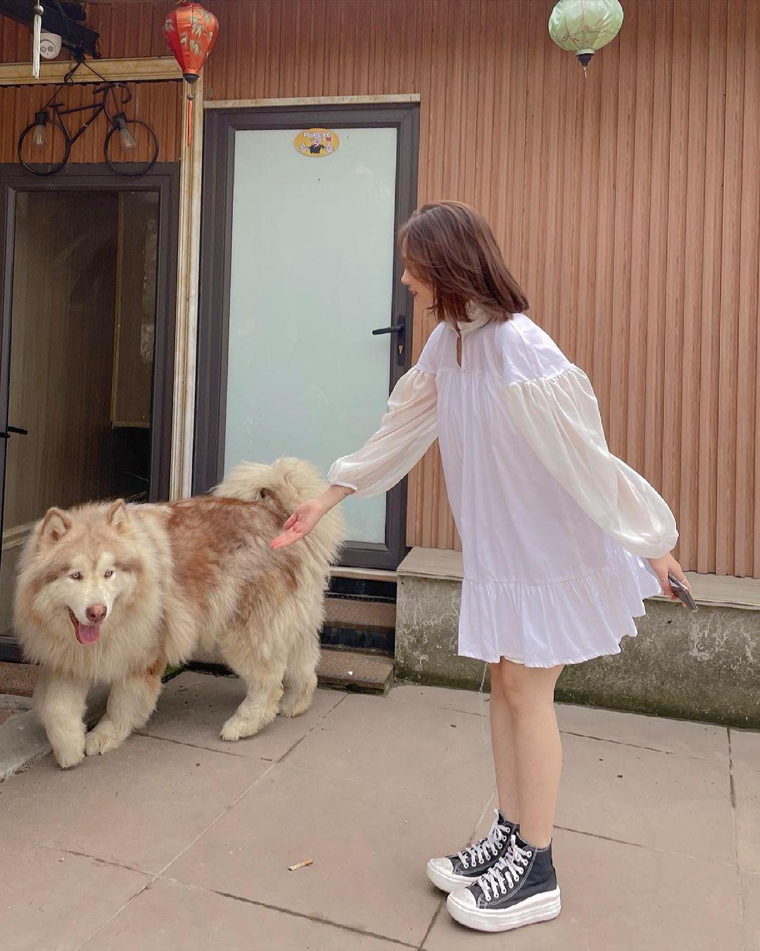 Học ca nương Kiều Anh tậu váy suông oversize giá chỉ vài trăm, mặc mát mà xinh như công chúa - Ảnh 6.