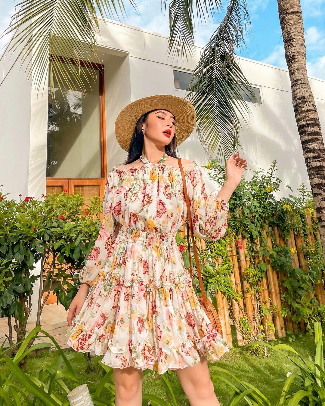 """Điểm mặt 3 item """"mặc là đẹp"""" của hội sao Việt khi đi biển, lên đồ đơn giản cũng ra ảnh sống ảo ngàn like! - Ảnh 4."""
