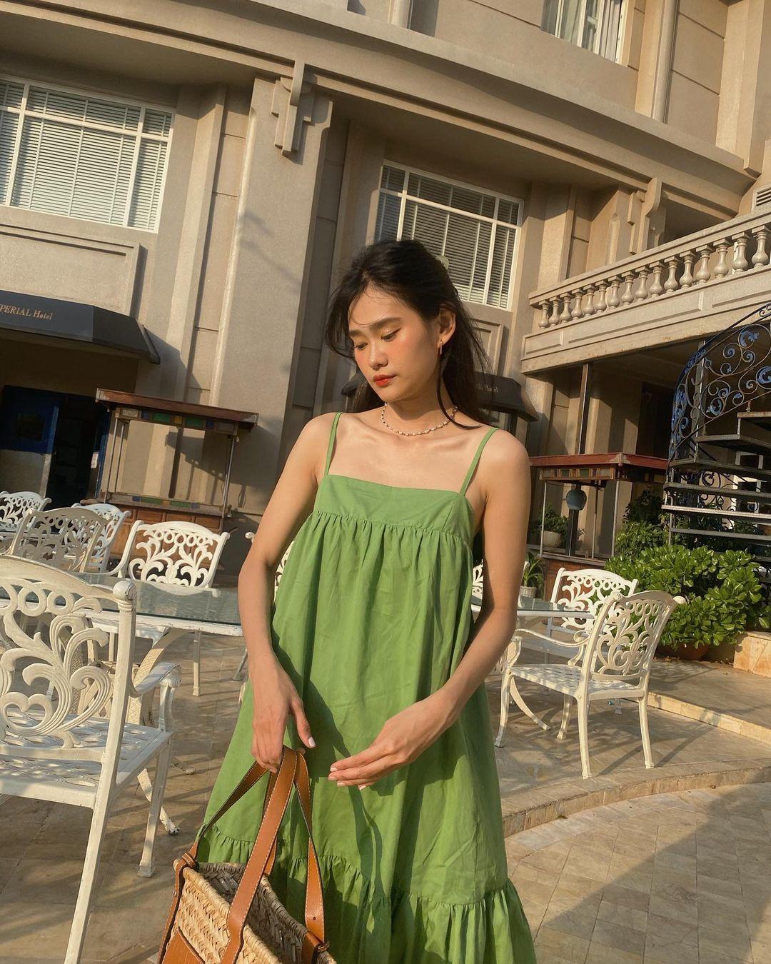 Có 1 mẫu váy đi biển siêu xinh mà từ Hà Hồ tới Kaity Nguyễn đều ưng nổ đĩa, quá hợp để diện đi du lịch luôn! - Ảnh 9.
