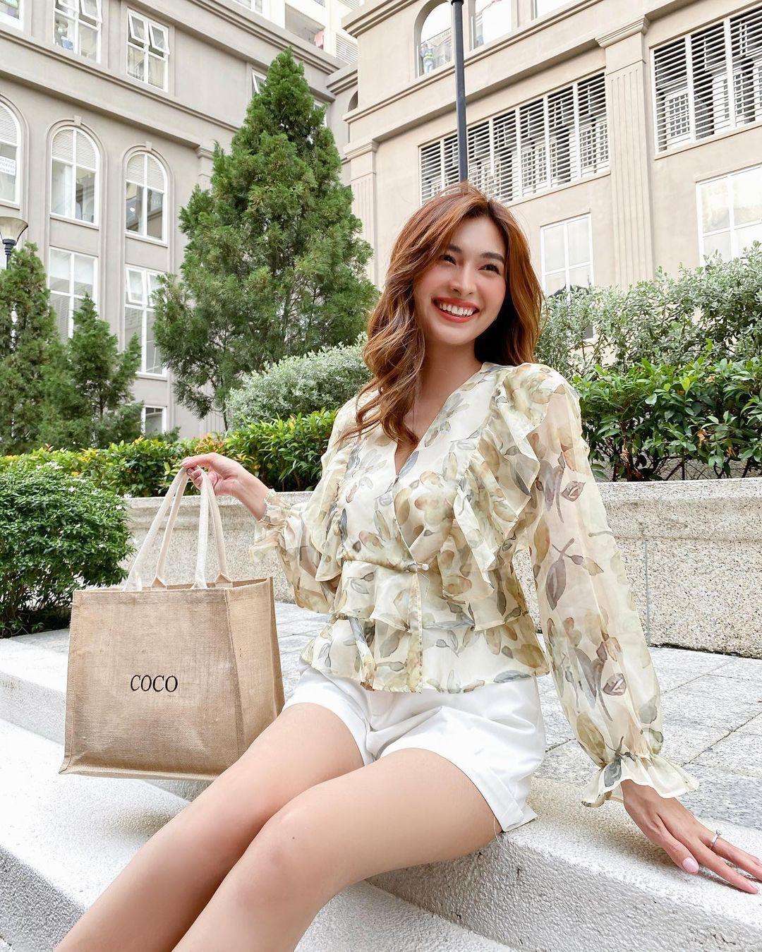 """Điểm mặt 3 item """"mặc là đẹp"""" của hội sao Việt khi đi biển, lên đồ đơn giản cũng ra ảnh sống ảo ngàn like! - Ảnh 5."""