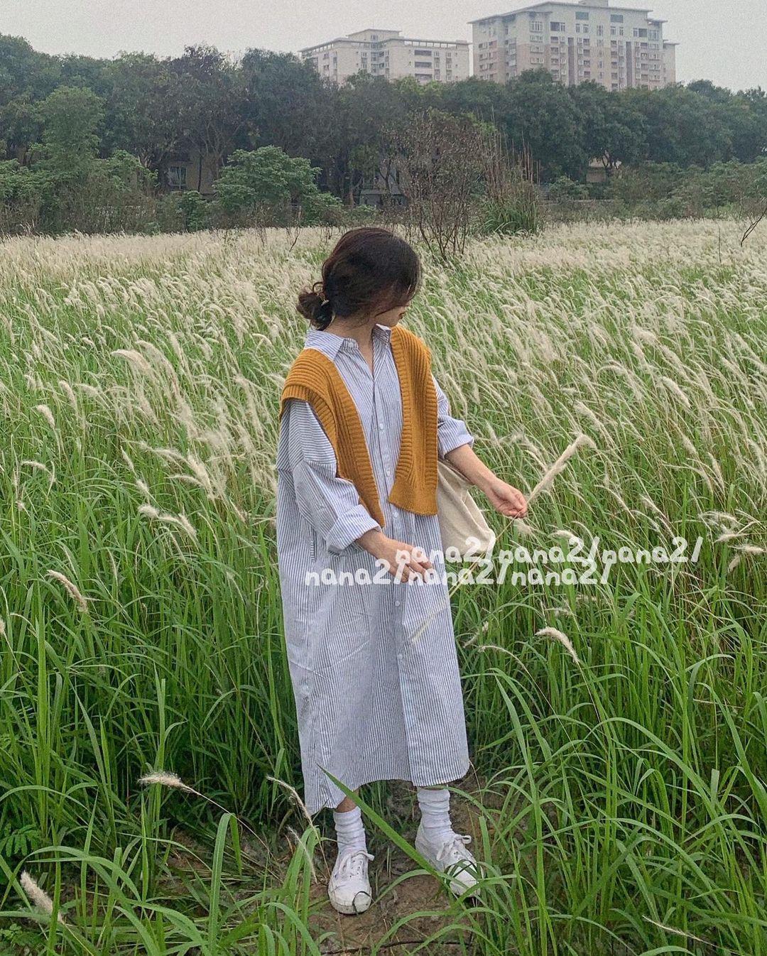 Sắm váy sơ mi rộng rãi mát mẻ mặc lên xinh như gái Hàn đi chị em, giá chỉ từ 180k thôi - Ảnh 2.
