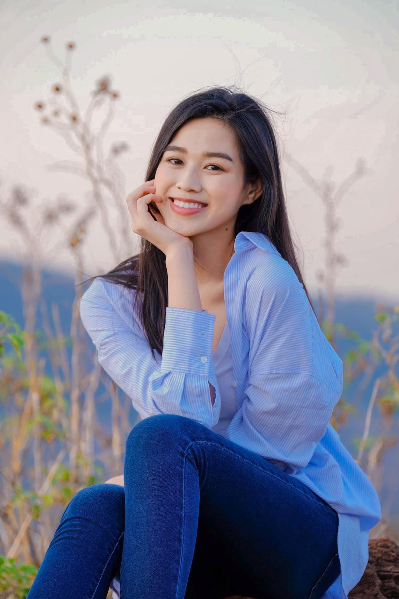 List váy áo Zara sao Việt vừa diện: Toàn món mát mẻ xinh xẻo chị em sắm đi du lịch thì hết nút - ảnh 1