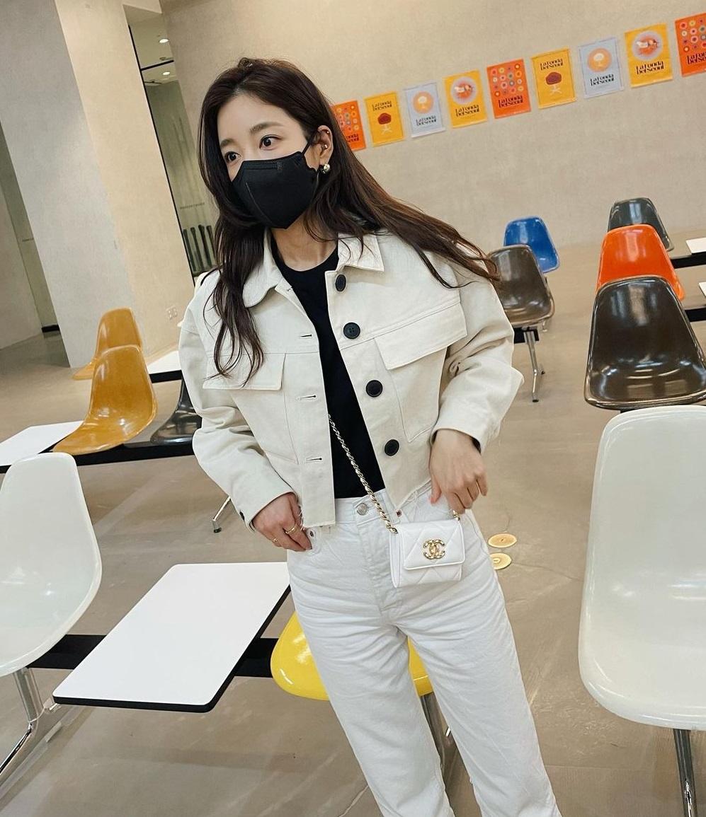 Check nhanh loạt đồ Zara sao Hàn vừa diện: Toàn kiểu xinh xỉu, có món đang sale chỉ còn 199k - ảnh 5