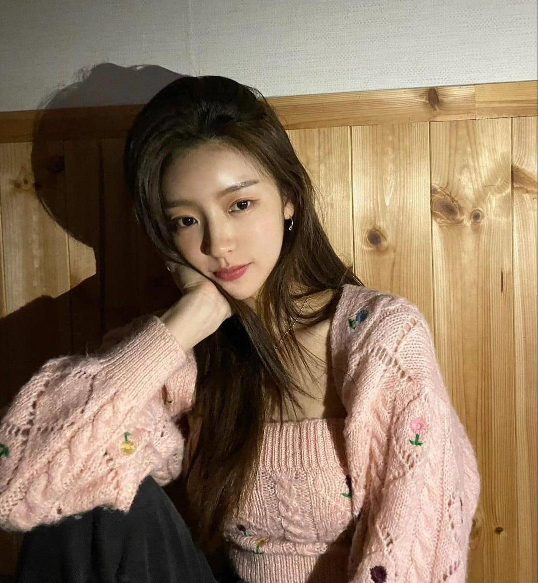 Check nhanh loạt đồ Zara sao Hàn vừa diện: Toàn kiểu xinh xỉu, có món đang sale chỉ còn 199k - ảnh 1