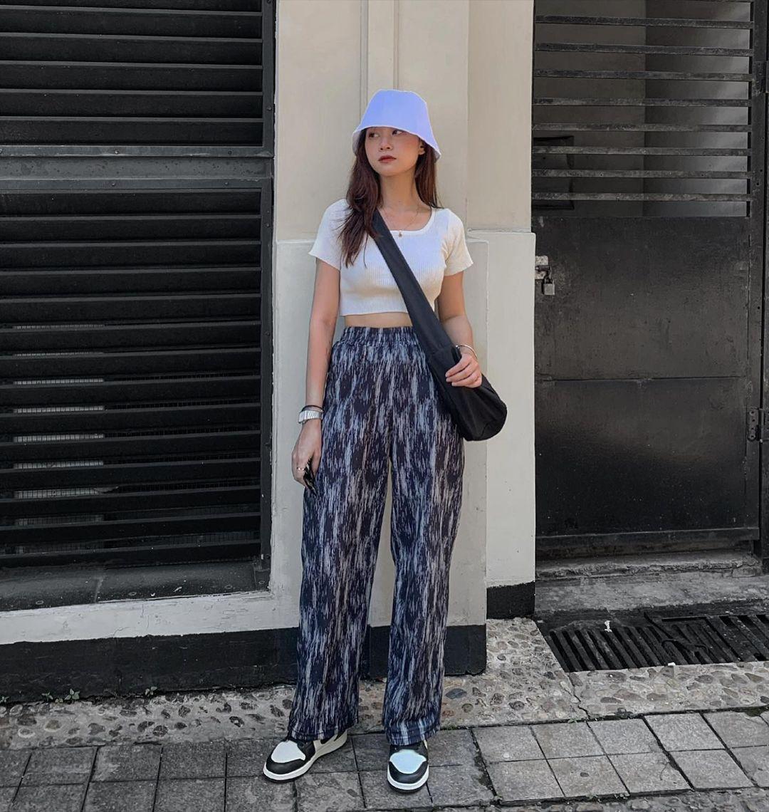 Insta look Gen Z tuần qua: Có nàng diện cả bra ra đường, màu trắng năm nay thành hot trend hay sao? - ảnh 1