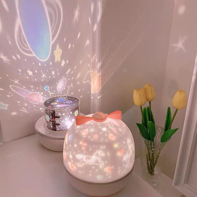 """Để phòng riêng """"nghệ như của Rosé, các fan hãy tậu ngay 6 loại đèn ngủ ảo diệu này - Ảnh 6."""